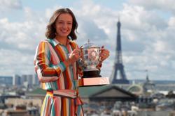 Mastering the mind games helped Swiatek reach perfection in Paris