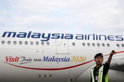 Malaysia Airlines seeks aid from wealth fund Khazanah, creditor talks continue