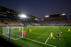 Depleted Real Madrid draw at Villarreal after yet another penalty