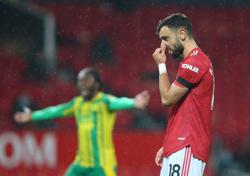Twice-taken Fernandes penalty gives Man United scrappy win over West Brom