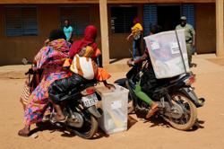 Burkina Faso votes under looming threat of violence