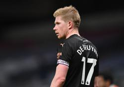 Man City's De Bruyne frustrated by handball rule changes