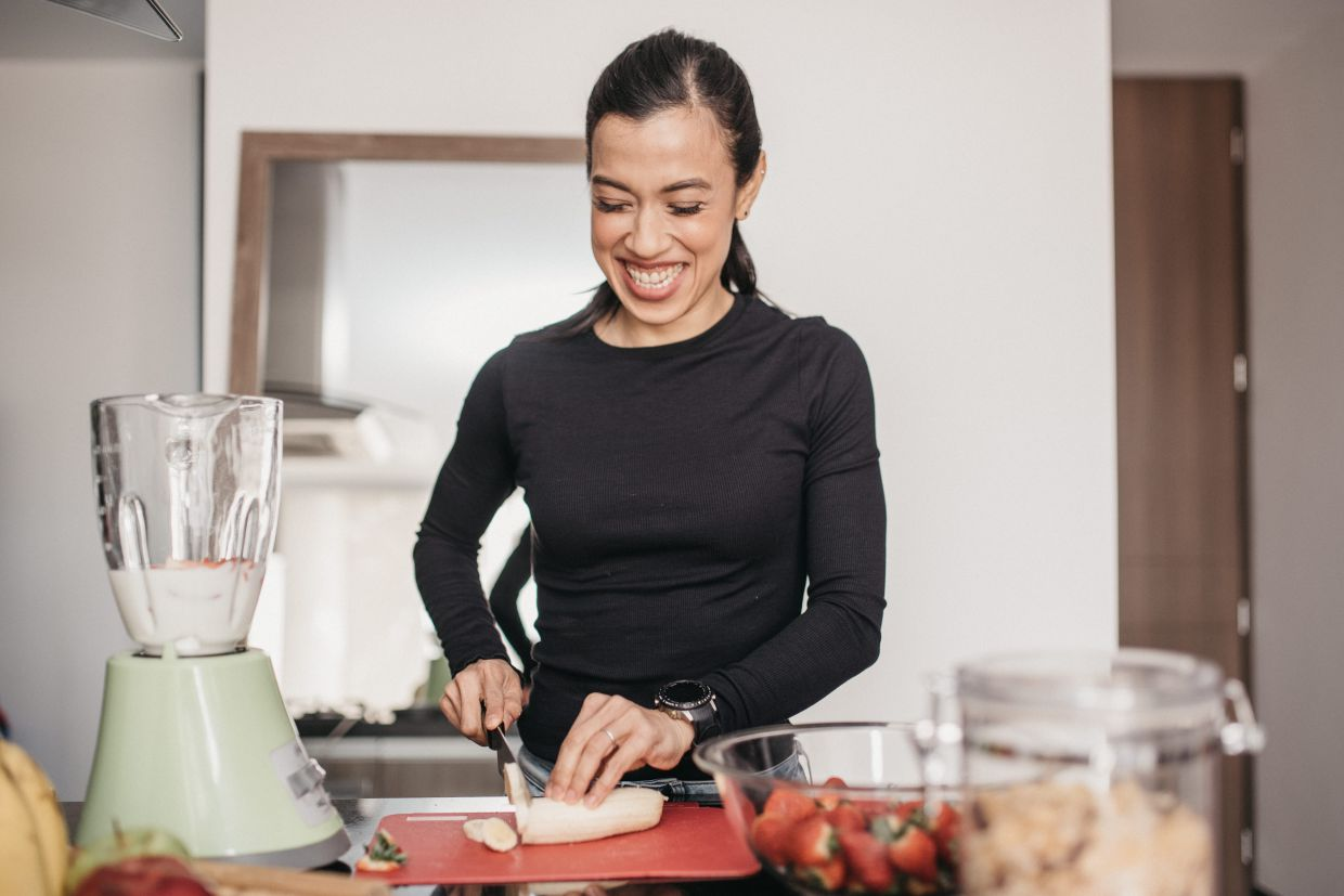 After the AIA Live cooking challenge, Nicol gained the confidence to whip up healthy meals at home.