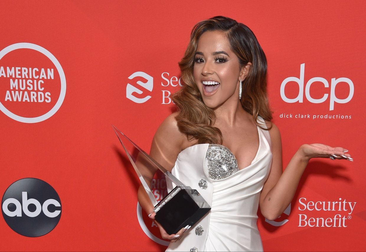 Singer Becky G poses with the favourite female artist - Latin award after the 2020 American Music Awards aired from the Microsoft theatre in Los Angeles. Photo: ABC/AFP