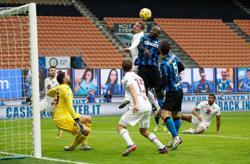 Inter win as Lukaku double inspires Torino comeback