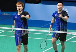 Shuttlers get to play superheroes in fun-filled mixed team event