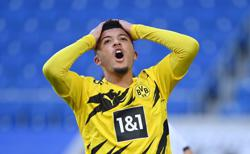 Dortmund's Sancho could be back with coach Favre banking on rotation