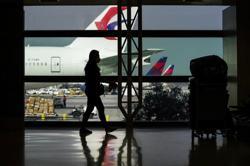 Airlines press for preflight testing instead of quarantine