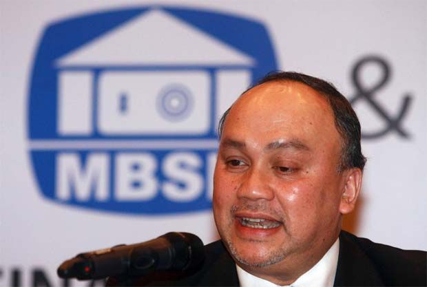 MBSB Bank Bhd's chief executive officer Datuk Seri Ahmad Zaini Othman (pic) said the bank will continue to lend a helping hand to its customers who are facing financial difficulties and help them to get back on their feet.