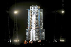 Chang'e-5 blasts off to fetch moon samples