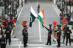 Pakistan gives U.N. a dossier on India after India submits one on Pakistan
