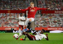 Man Utd's Van de Beek revels in deeper role in Pogba's absence