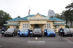 Johor Sultan gives more cars to healthcare frontliners in Johor