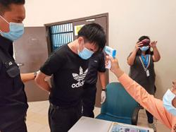 Tudung-clad interpreter to the 'rescue'