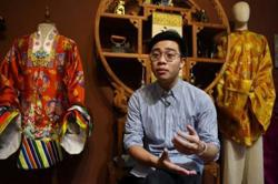 Designer draws young Vietnamese to tradition