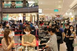 Crowds in Orchard Road on Black Friday sales even as sales move online