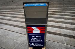 U.S. appeals ruling that barred Postal Service changes before election