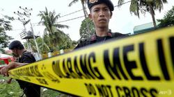 Indonesia police hunt suspected militants after four killed; 7 terrorist suspects arrested thus far