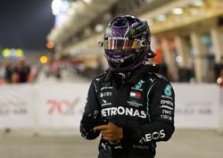 Hamilton takes 98th career pole in Bahrain