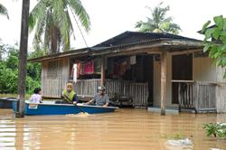 Kelantan and Terengganu residents preparing for floods