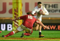 England do enough to subdue Wales and secure top spot