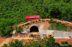 Longest tunnel on China-Laos railway length completed