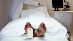 Man mistakenly declared dead 'resurrects' in morgue