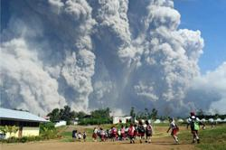 Mt Ili Lewotolok in Indonesia's East Nusa Tenggara erupts, spewing ash 4,000m to sky