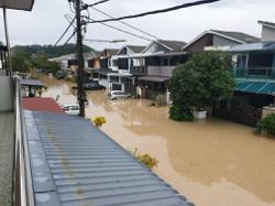 Monsoon rains wreak havoc in Ipoh