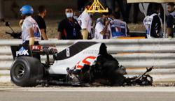 Grosjean has 'miracle' escape from fiery Bahrain crash