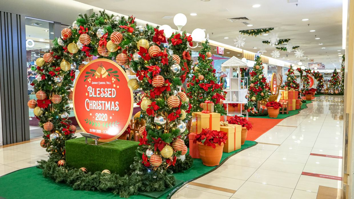 Heighten your anticipation with a Secret Santa Gift at Sunway Carnival.