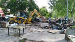 Illegal food stalls in Puchong neighbourhood torn down