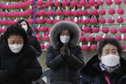 S.Korea decides against tightening Covid-19 rules despite third wave