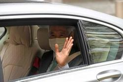 Singapore PM goes on witness stand in libel suit (Update)