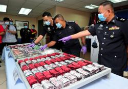 Man nabbed, over RM800k worth of drugs and vehicles seized in JB bust