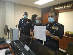 Melaka cops bust stock investment scam syndicate with arrest of 16 foreign nationals