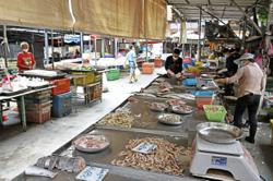Market traders glad to resume business