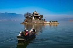China rolls out plan of promoting 'Internet plus tourism'