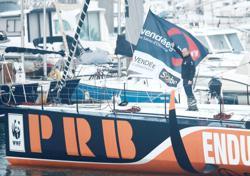 France's Escoffier rescued after Vendee boat breaks in two