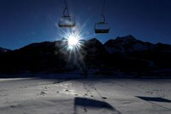France to 'deter' skiers searching for resorts still open abroad
