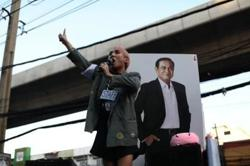 Thai court fires warning on eve of ruling on PM Prayut