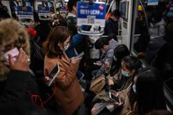 Shanghai subways ban use of speakers on phones and digital devices
