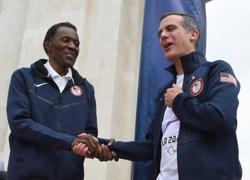 Decathlete Rafer Johnson, 'World's Greatest Athlete', dies at 86
