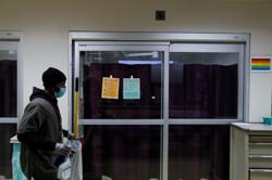 U.S. pandemic death toll mounts as danger season approaches