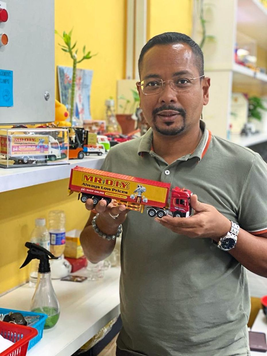 Mohd Rizuan started out as a 'store boy' in 2008. He is now senior manager of MR.DIY's transport and warehouse department.