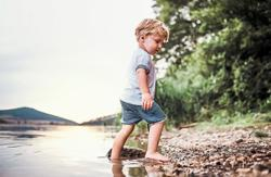 Why going barefoot is good for your child