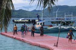 Philippine govt to subsidise Covid-19 tests for Boracay-bound tourists