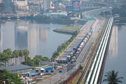 Border closure leaves Johor moneychangers suffering