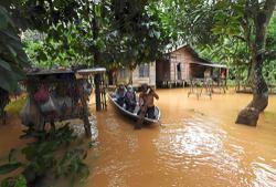Floods worsen in two states