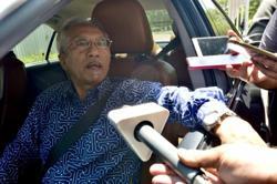 It won't be a surprise if Umno, DAP work together, says Kadir Jasin